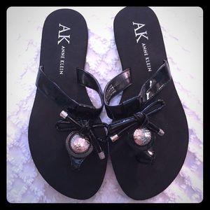 Anne Klein Galypso Black Flip Flops